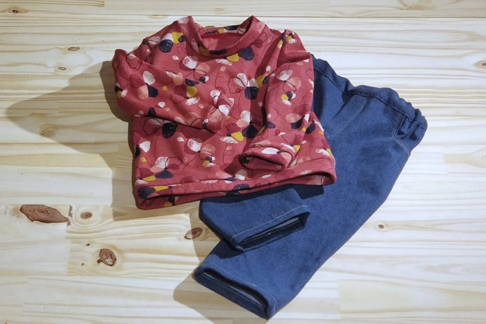 Tenue sweat jean bébé